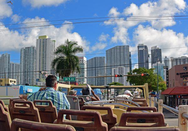 Auf der Fahrt nach Miami Beach