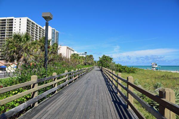 Der Boardwalk von Miami Beach
