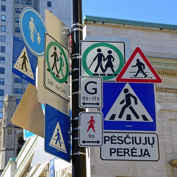 Verkehrsschilder in Montréal