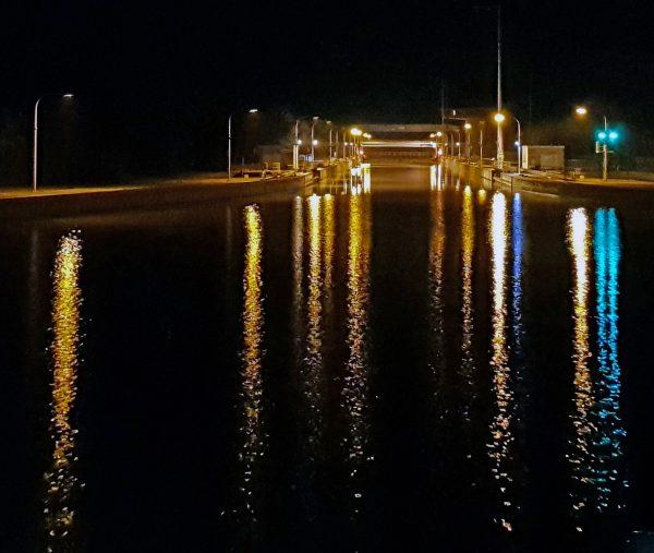 Eine Schleuse auf der Donau
