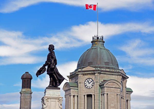 Die Champlain-Statue in Québec