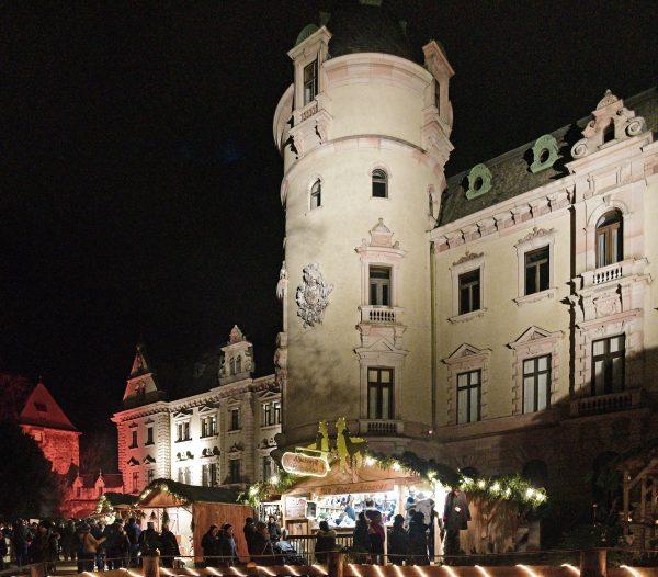 Palais Thurn und Taxis und Weihnachtsmarkt in Regensburg