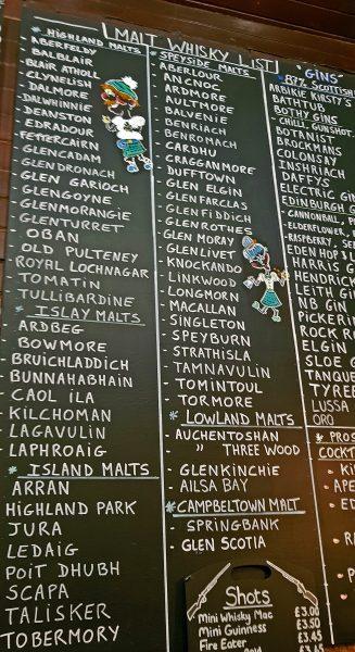 Getränkeauswahl eines Pubs in Leith