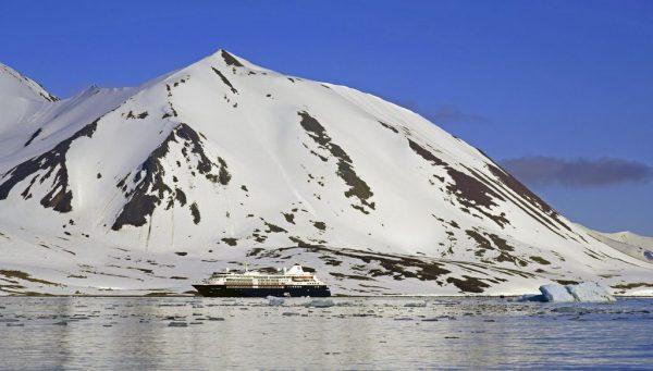 Die MS Silver Cloud in Spitzbergen