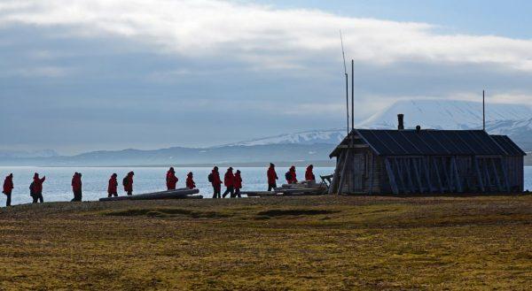 Eine Jagdhütte auf Bamsebu, Spitzbergen