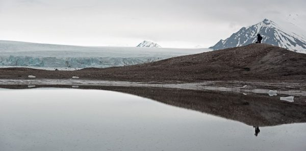 Wasser-Spiegelungen im Recherchefjorden