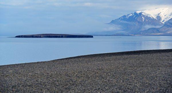 Der Strand von Bamsebu, Spitzbergen, leider ohne Beachbar