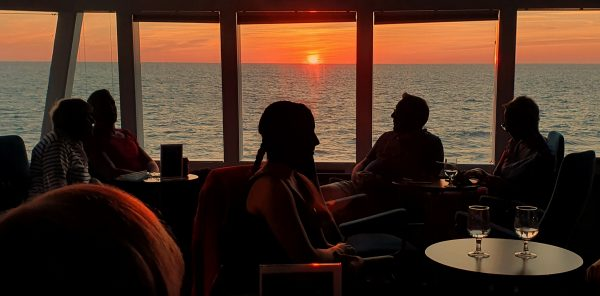 Der letzte Sonnenuntergang auf der MS Quest