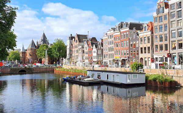 In den Straßen und Grachten von Amsterdam