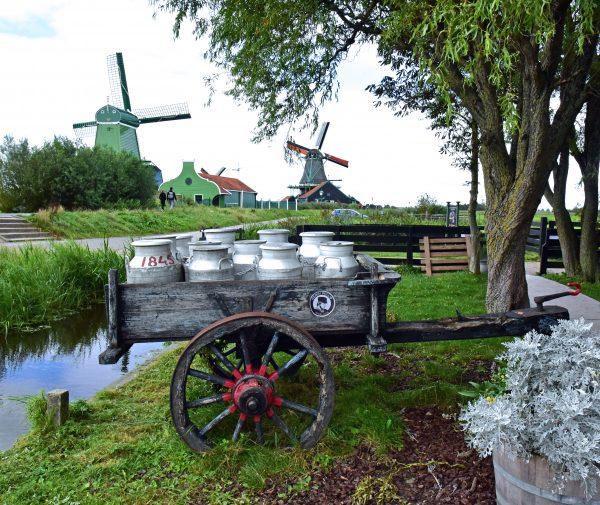 Ein Milchwagen im Freilichtmuseum Zaanse Schans
