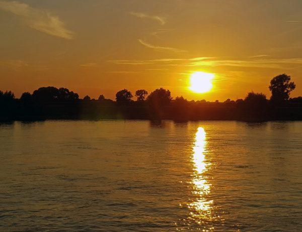 Sonnenuntergang auf der MS Belvedere
