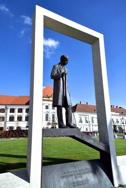 Riesen-Statue in Budapest