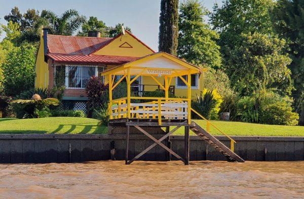 Eine Boots-Anlegestelle im Tigre-Delta