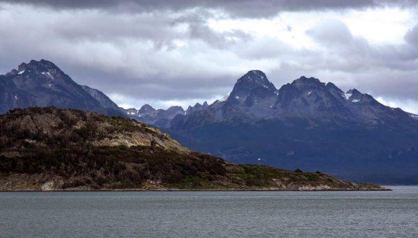 Blick auf Berge im Nationalpark Tierra del Fuego