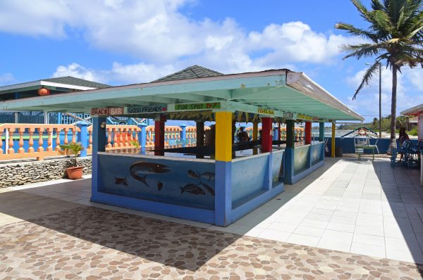 Eine Bar für Lokals, Cayman Brac