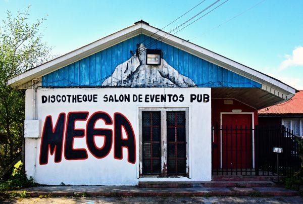 Eine Disco / Pub in Chaitén