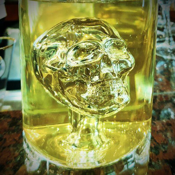 Ein Totenkopf-Drink auf der MS Swiss Crown