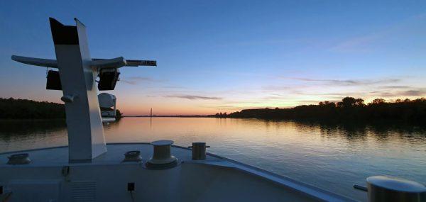 Die Sonne geht unter im Delta-Delta