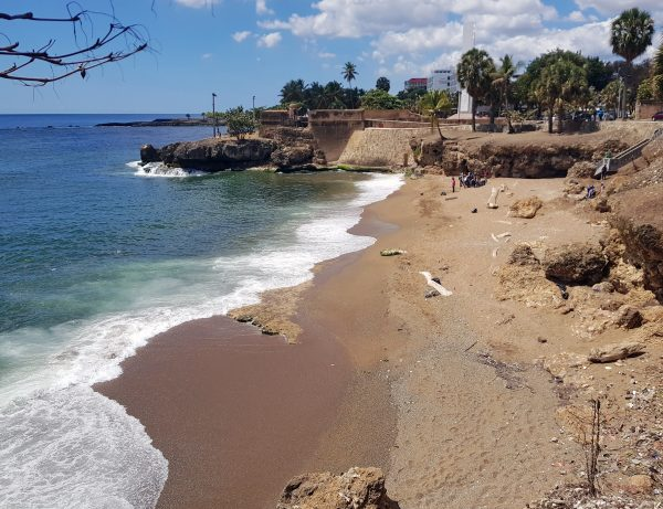 Entlang der Malecón-Promenade von Santa Domingo