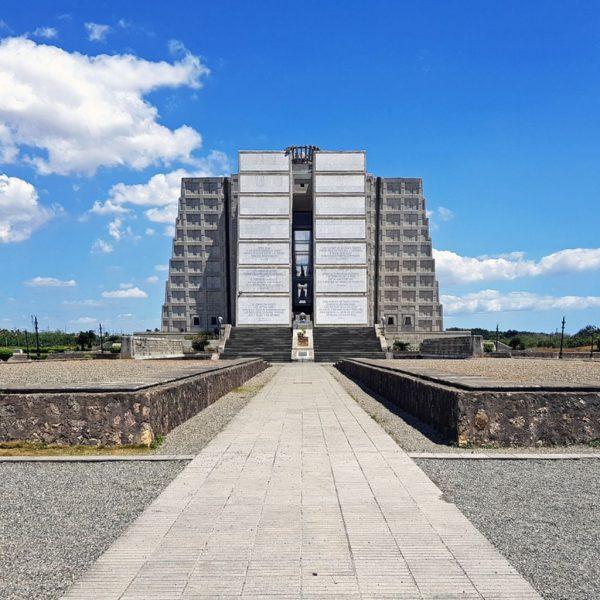 Faro a Colon, Santa Domingo