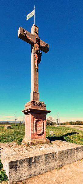 Das Fähncheskreuz, ein Wegkreuz zwischen Kastel und Hochheim
