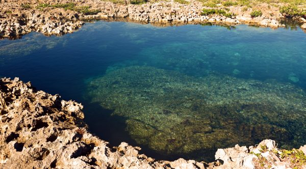 Ein Meerwasserschwimmbecken auf der Halbinsel Guanahacabibes
