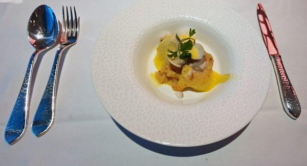 Im Restaurant 'Hanseatic' auf der HANSEATIC nature