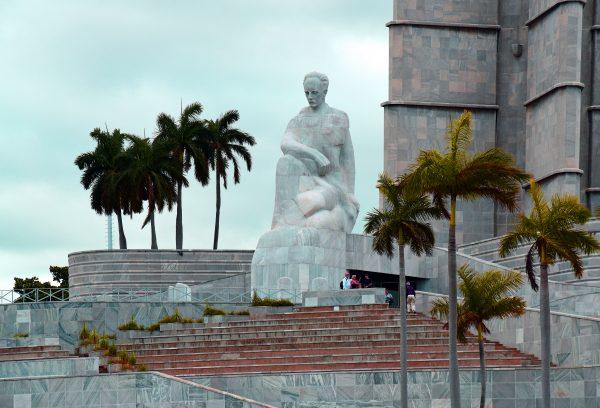 Die Statue des José-Martí-Denkmal in Havanna
