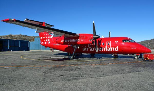 Air Greenland Dash 8Q-200 in Ilulissat