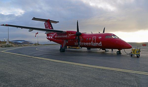 Air Greenland Dash in Upernavik