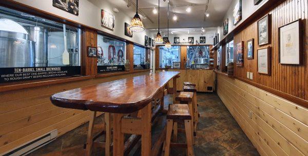 Biertest-Raum in der Alaska Brewing Co. in Juneau