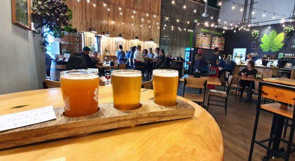 Bier-Test in der Devil's Club Brewing Company in Juneau