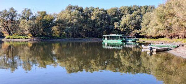 Ausflugsboote in Kopacki Rit