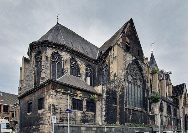 Die Stiftskirche Sainte-Croix in Lüttich