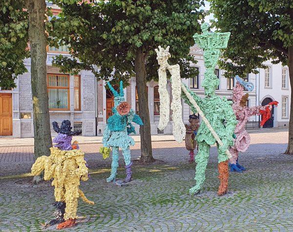 Bunte Skulpturen in Maastricht