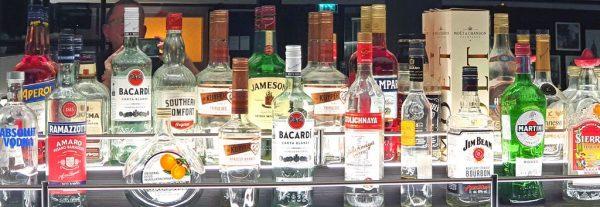 Die Bar vom Restaurant Manhattan auf der MS nickoVISION