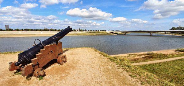 Die Kanone vom Fort Knodsenburg in Nijmegen