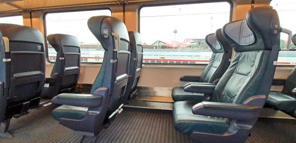 Im leeren Zug zurück von Düsseldorf nach Mainz