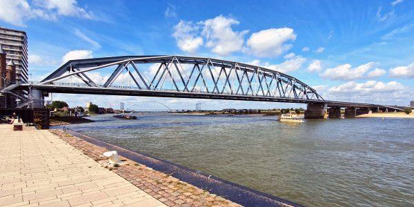 Die Eisenbahnbrücke von Nijmegen