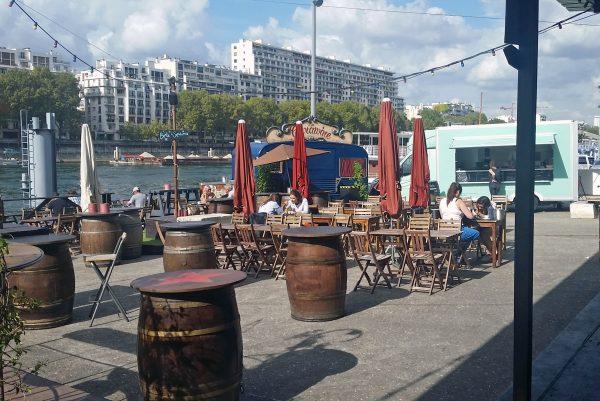 Der tolle Biergarten La Javelle in Paris
