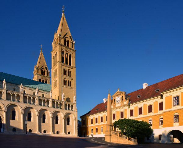 Die Kathedrale St. Peter und Paul in Pécs
