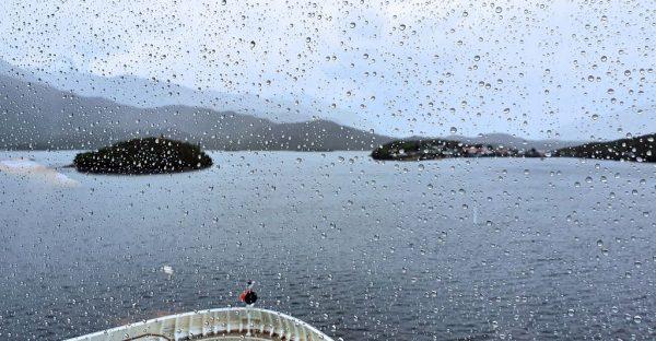 Regen im Fjord