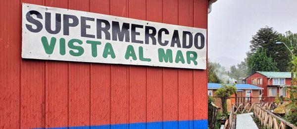 Ein Supermarkt in Puerto Edén
