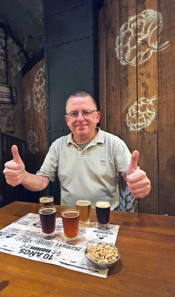 Zinnis Biertest in der Bierbar 'Cervecería Baum' in La Plata