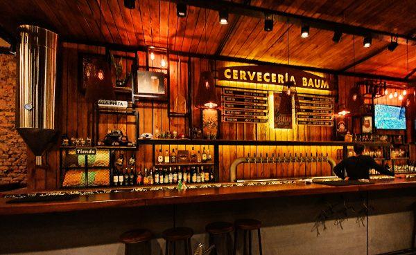 Die Bierbar 'Cervecería Baum' in La Plata