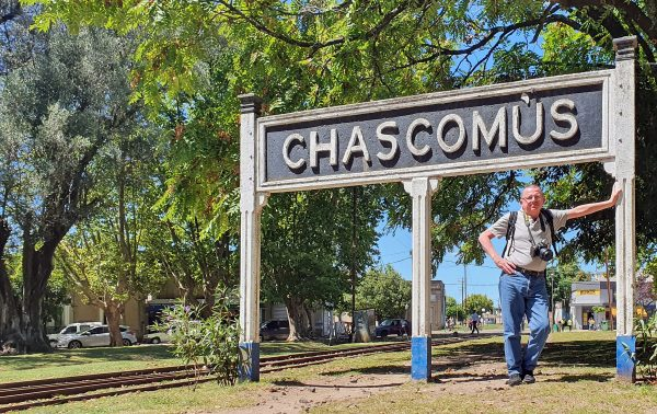 Der alte Zinni am Bahnhof von Chascomús