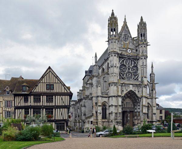 Die Stiftskirche Notre Dame von Vernon