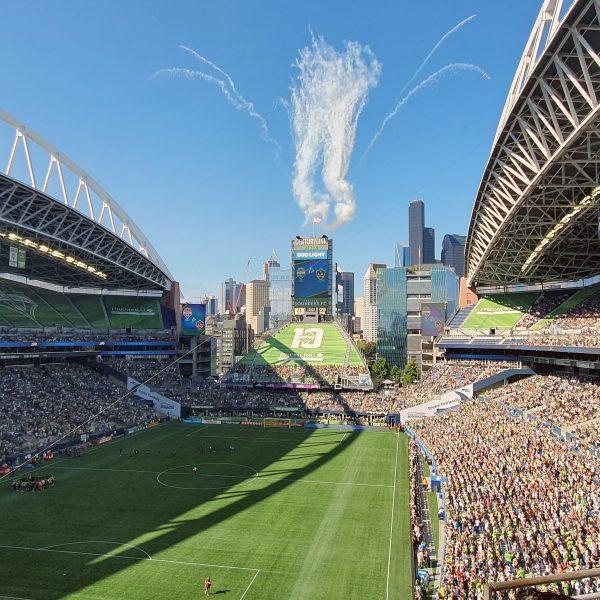 Mini-Feuerwerk bei Seattle Sounders - Los Angeles Galaxy