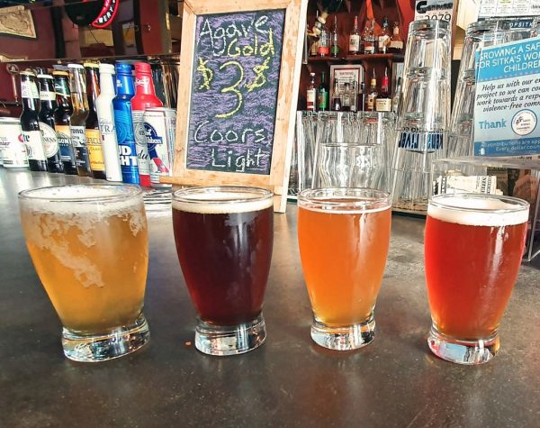Ein Flight in der Pioneer Bar in Sitka