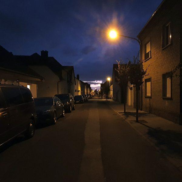 Lichter am Ende der Straße in Hochheim